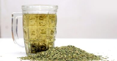 Some magical benefits of drinking fennel water every night