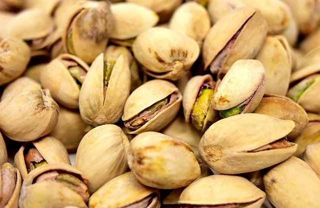 Eating pistachios at this time of day can help you lose weight